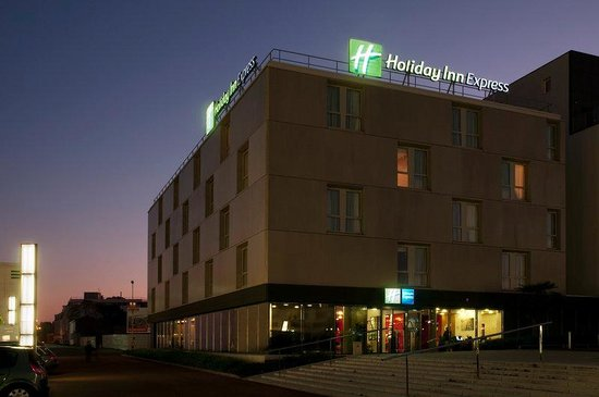 Holiday Inn Express Saint Nazaire : Welcome! The perfect place for business and leisure stays.