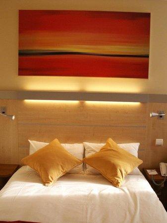 Holiday Inn Express Saint Nazaire : Guest Room standard room