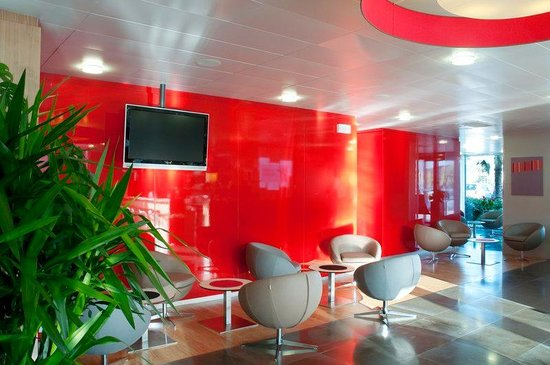 Holiday Inn Express Saint Nazaire : The reception is open 24 hours a day