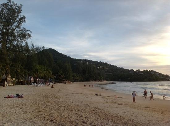 Thai Kamala Village: Kamala Beach