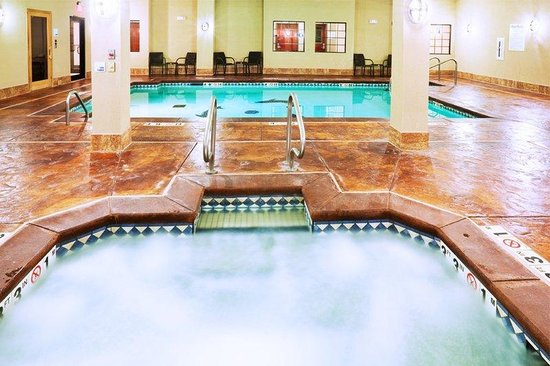 Holiday Inn Express Hotel & Suites Oklahoma City West-Yukon: Swimming Pool