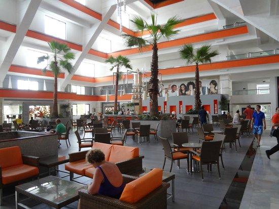 Hotel Riu Caribe: Lobby