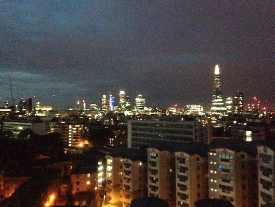 H10 London Waterloo : The view at night