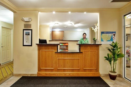 Candlewood Suites Galveston: Reception