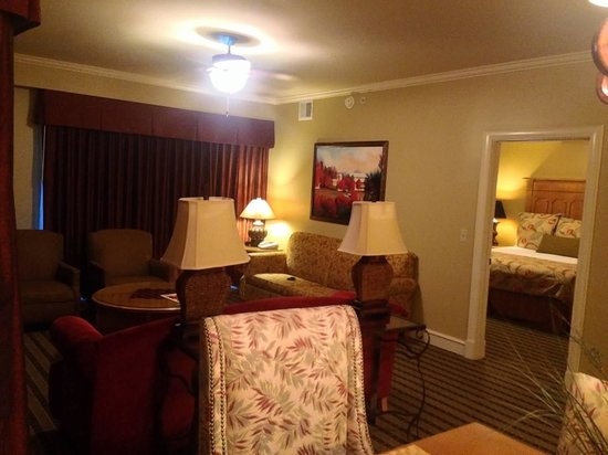 RiverStone Resort & Spa: living room into master suite
