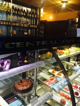 Central Cafe and Restaurant: Resist these cakes if you can