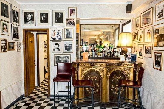 Hotel La Fenice Et Des Artistes : Bar Area