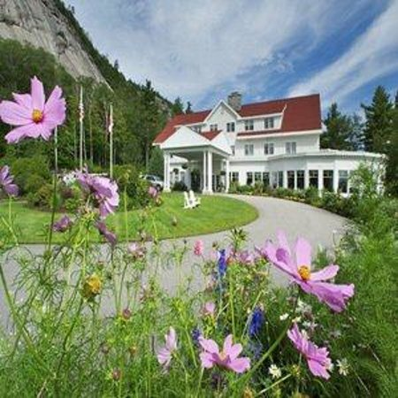 White Mountain Hotel and Resort : Summer Drive