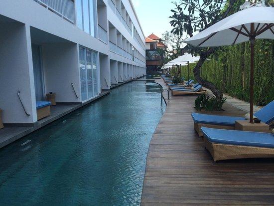 Ossotel: Beautiful pool