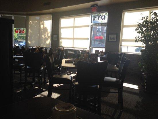 Standard Diner: Dining room at breakfast