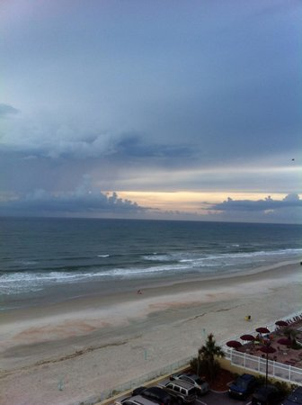 Hampton Inn Daytona Beach/Beachfront: Beach view