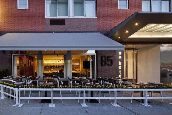 NU Hotel: Outdoor Dining