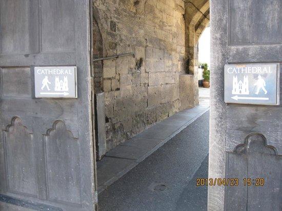 Salisbury Cathedral: 結構見つからなくて(汗)