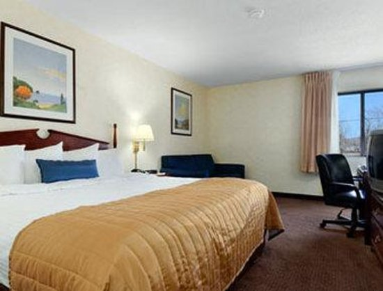 Baymont Inn & Suites Louisville South I 65: Standard King Room