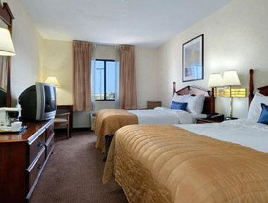 Baymont Inn & Suites Louisville South I 65: Standard Double Double Bed Room