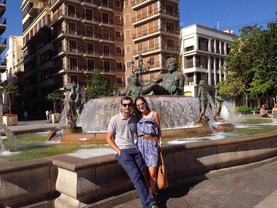 Plaza de la Virgen: Nós na praça