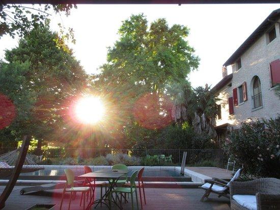 La Lepre Bianca Agriturismo: Garten mit Pool
