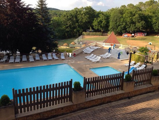 Camping La Palombiere : Pool area from bar terrace