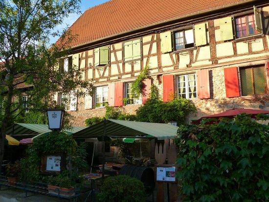 Au Turenne le Caveau: Restaurant mit Garten