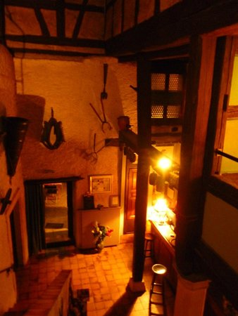 Au Turenne le Caveau: Blick von der Galerie