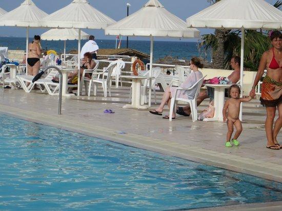 Omar Khayam Club : piscine principale