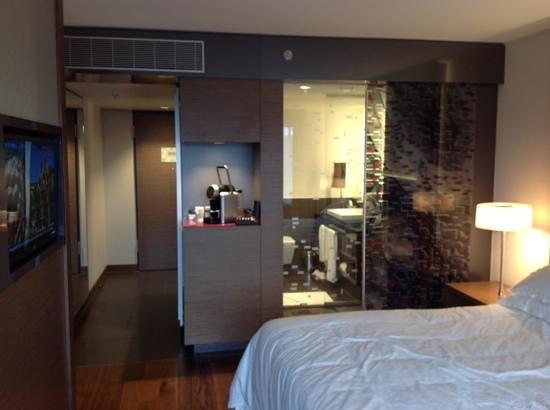 Sheraton Zürich Hotel: Room 817
