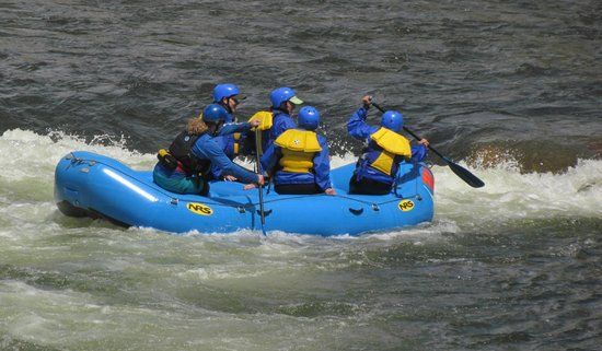 Buena Vista River Park: Rafters playing in the rapids