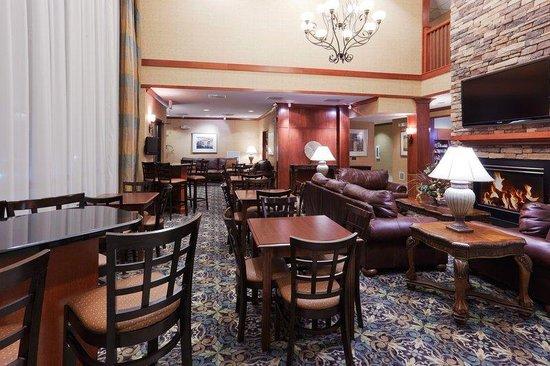 Staybridge Suites Rocklin - Roseville Area : Guest Dining Lounge