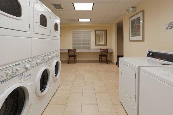 Staybridge Suites Rocklin - Roseville Area : Laundry Facility