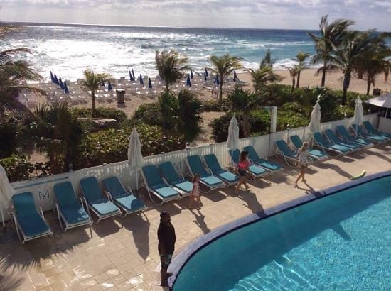 Marenas Beach Resort: pileta del hotel