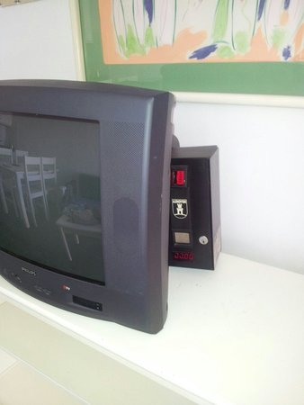 Lanzarote Palm: La television del apartamento