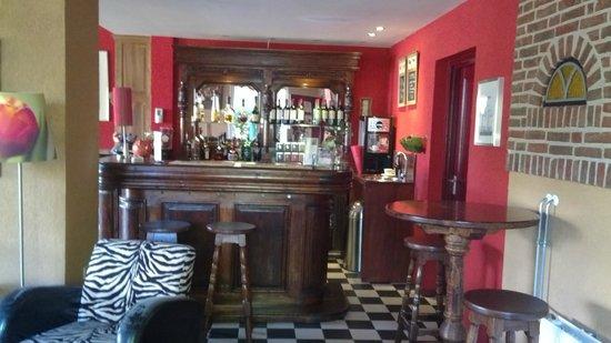 Hotel Restaurant Nieuw Beusink: Aufenthaltsraum Bar