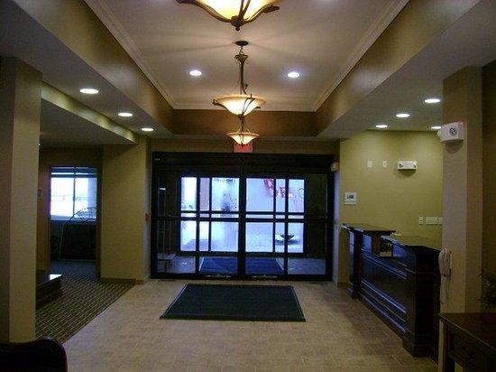 Holiday Inn Express Devils Lake : Entrance