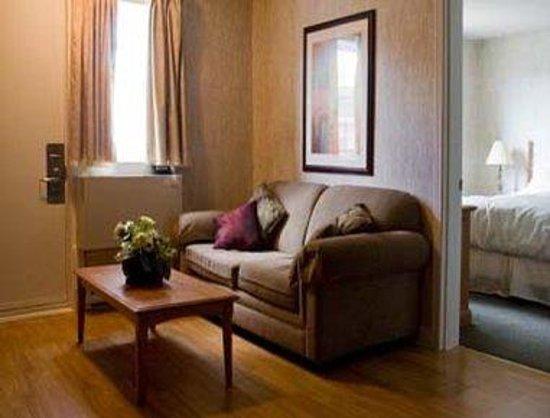 Days Inn & Conference Center - Bridgewater: Suite