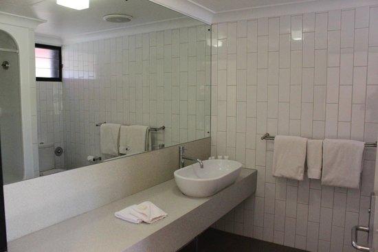 Kings Canyon Resort: Bathroom