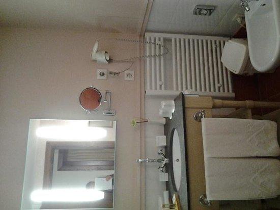 Hotel San Antonio el Real: bathroom