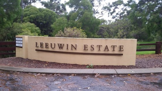 Leeuwin Estate: The entrance
