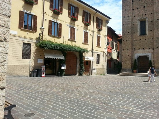 La casa del dolce a fianco Duomo di Salò