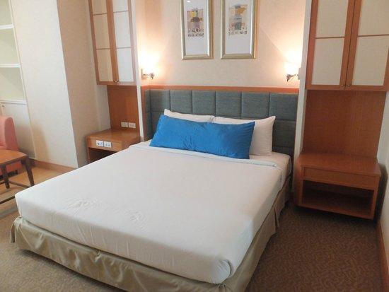 Jasmine City Hotel : ベッド