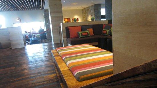Hotel Vermont: Lobby