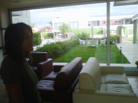 Domino Suite Hotel: dalla reception al giardino
