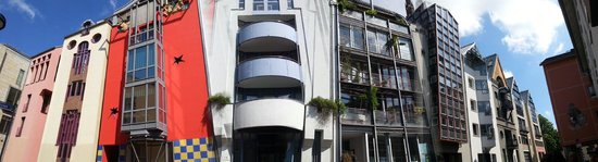 Frankfurt on Foot Walking Tours : Interesting street with different houses
