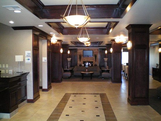 Holiday Inn Express Hotel & Suites Mineral Wells: Hotel Lobby