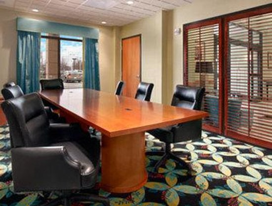 Wingate by Wyndham- Richmond/ Short Pump: Boardroom