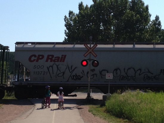 Edworthy Park & Douglas Fir Trail: Trains are common at Edworthy