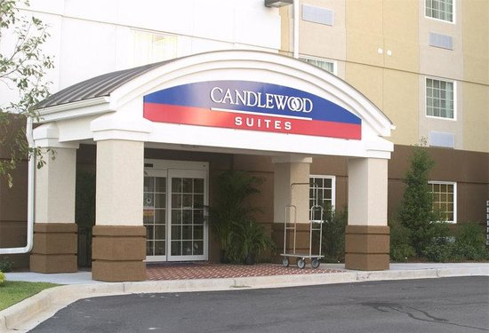 Candlewood Suites Bluffton-Hilton Head: Candlewood Suites Bluffton/Hilton Head Entrance