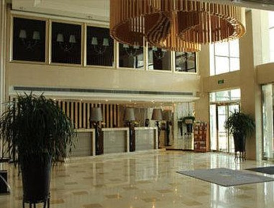 Vintage Hill  Hotels & Resorts: Lobby