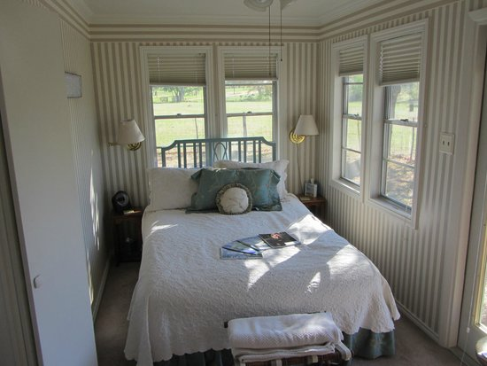 Pecan Creek Cottage and Lodge: Bedroom