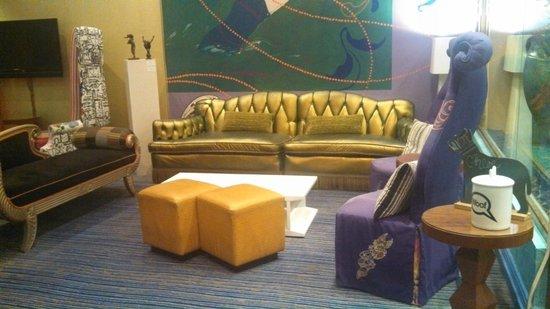 Hotel Triton : Lobby area