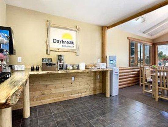 Days Inn Sandpoint: Breakfast Area